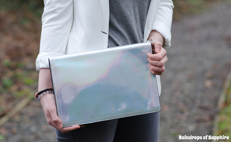 zara-metallic-silver-clutch