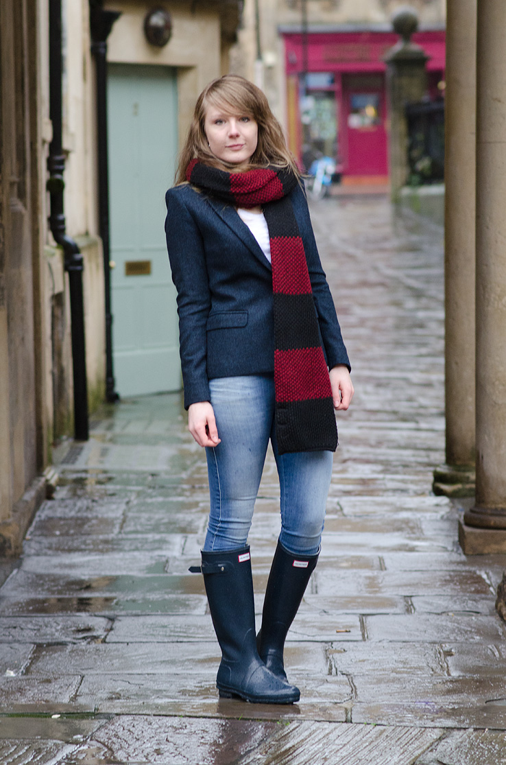 zara-navy-red-stripe-scarf