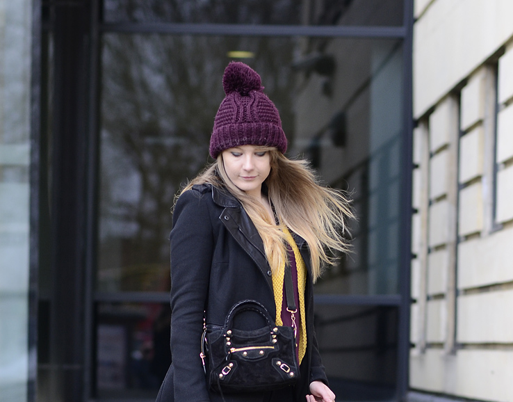 burgundy-bobble-hat-topshop