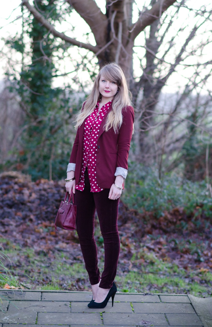 burgundy-monochrome-outfit