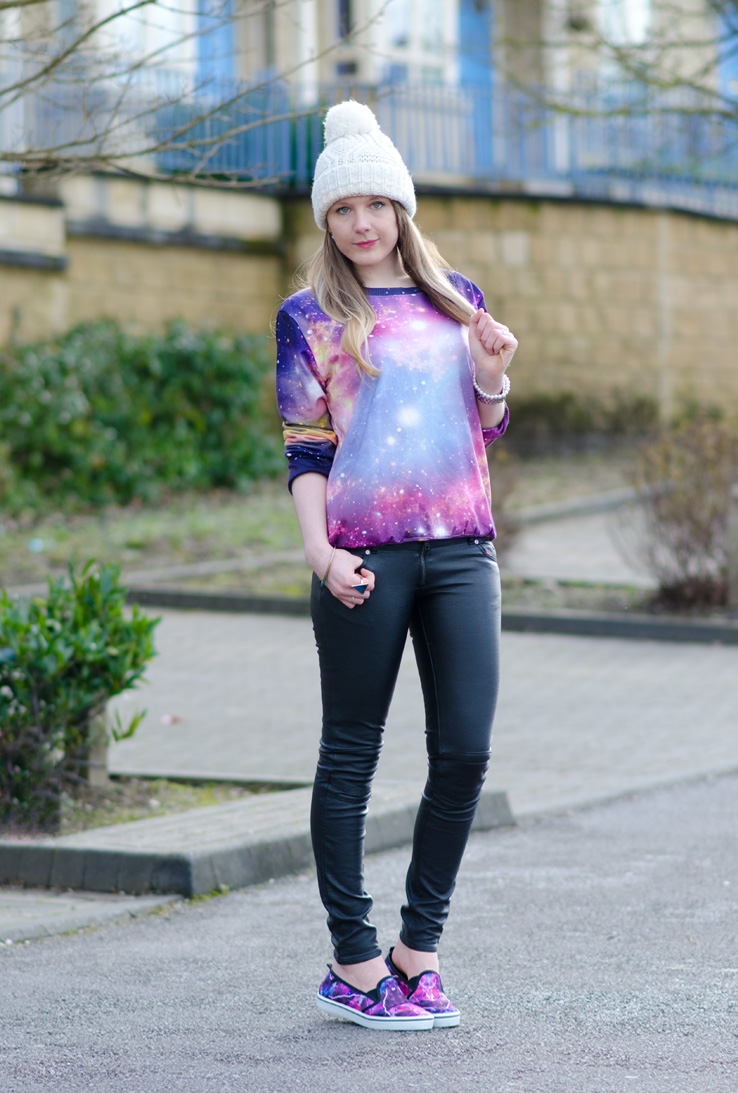 galaxy-print-outfit