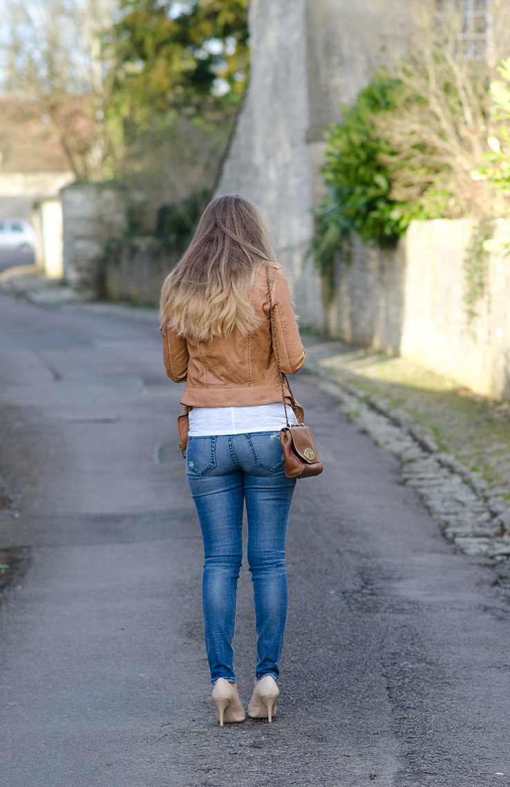 lorna-burford-butt-jeans-back-pockets-koral-ass