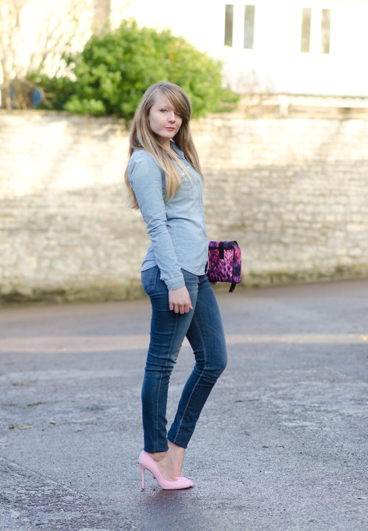 lorna-burford-girl-tight-skinny-jeans-ass-curves