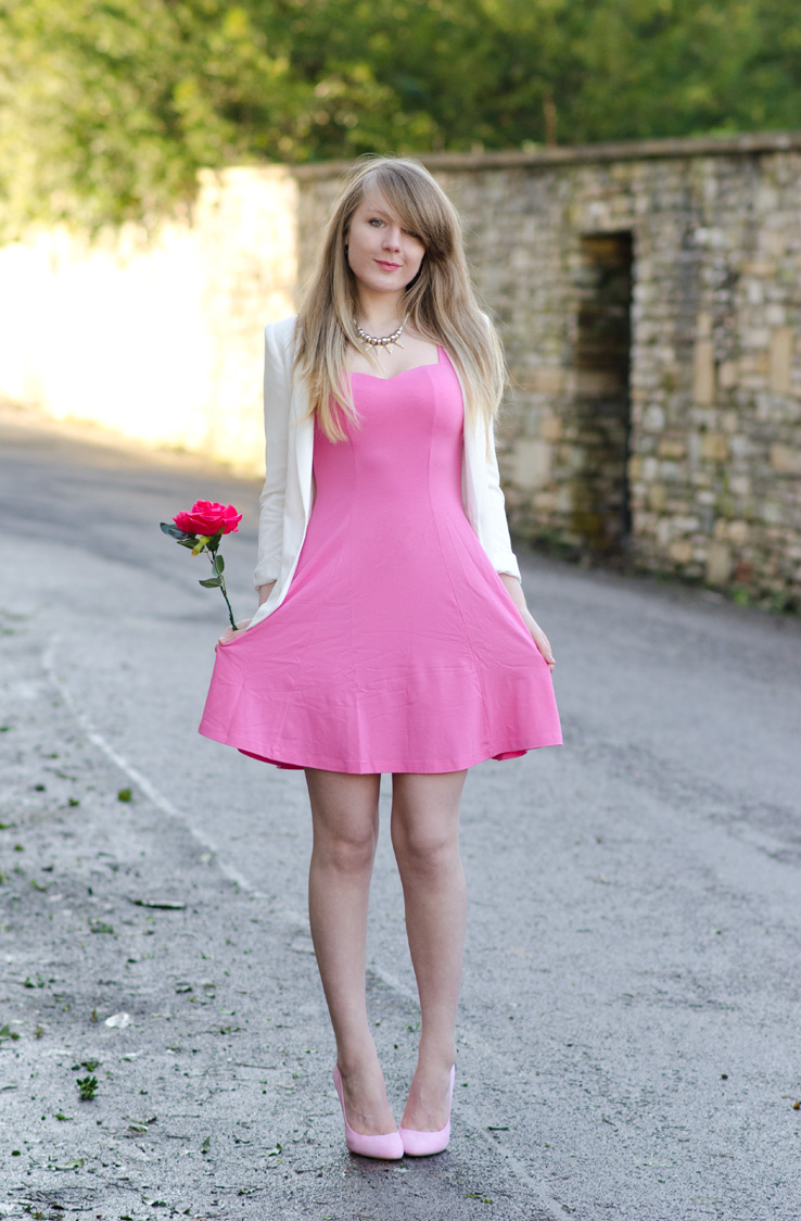 lorna-burford-pretty-dress-sexy
