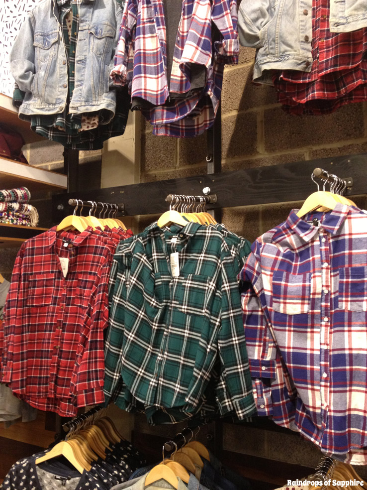urban-outfitters-inside-shirts
