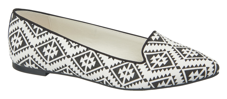 1 290 600, Graphic print smoking slipper, ú17.99 (Caroline Blomst)