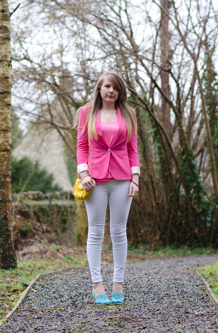 lorna-burford-spring-pastel-outfit