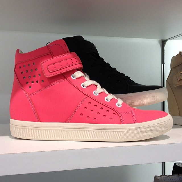 lorna-raindrops-pink-also-trainers