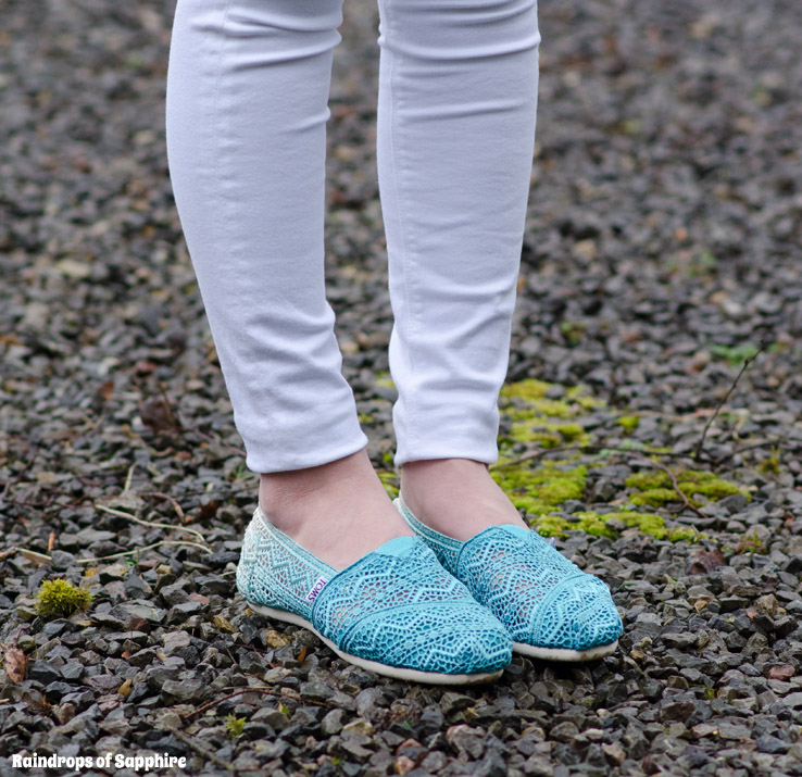 toms blue crochet ombre classics Pinks, Yellows & Blues In Pastel Hues
