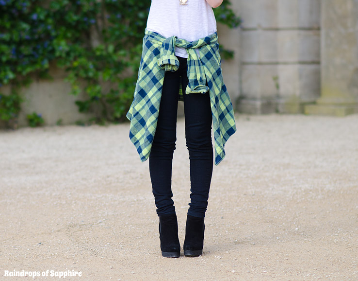 urban renewal green shirt tied round waist The Oversized Green Plaid Shirt