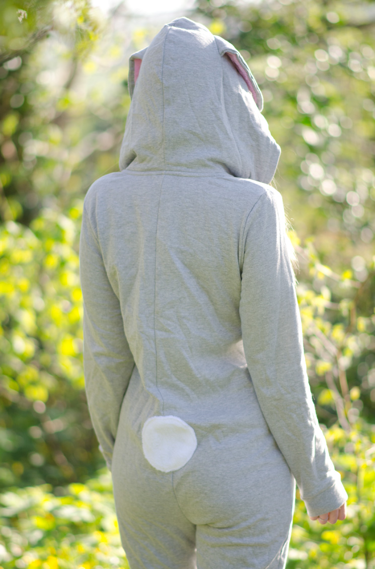 bunnie-bunny-onesie-rabbit-back-tail