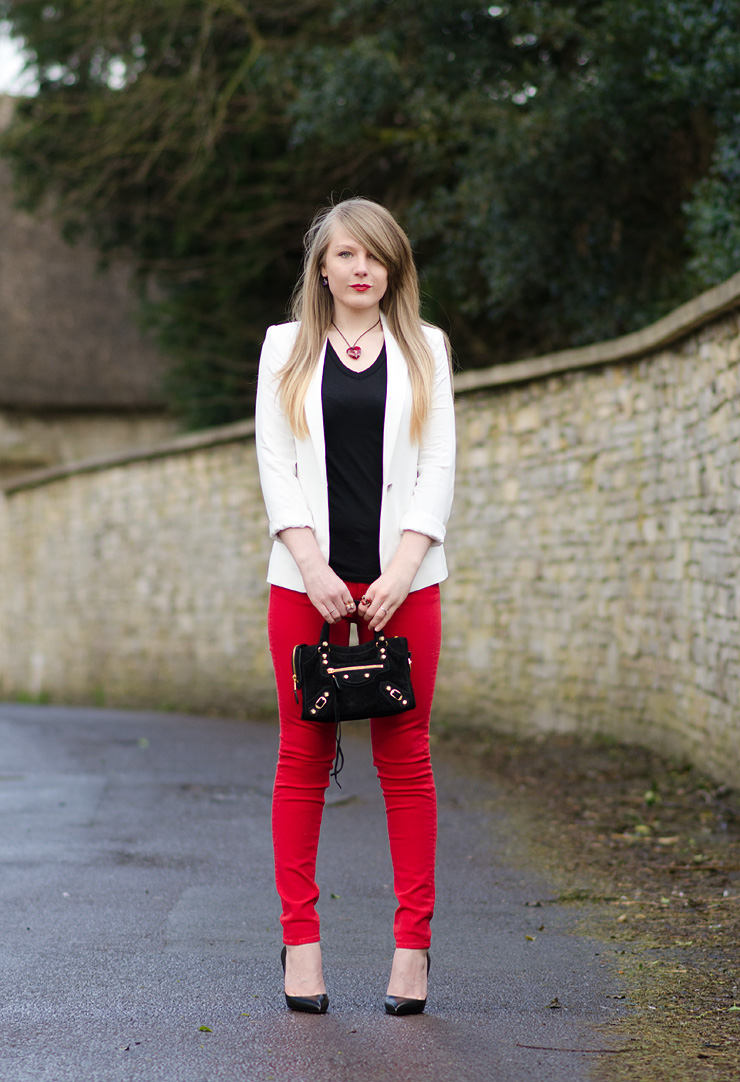 lorna-burford-red-black-white-outfit