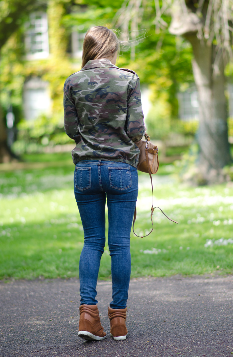 ass in jeans butt tight skinny The Camo Print Jacket With Skinny Jeans