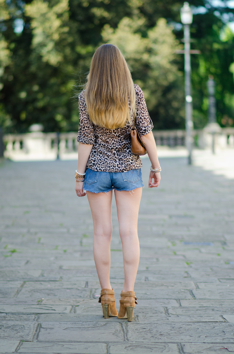 levis-denim-shorts-butt-ass-legs-short-tight