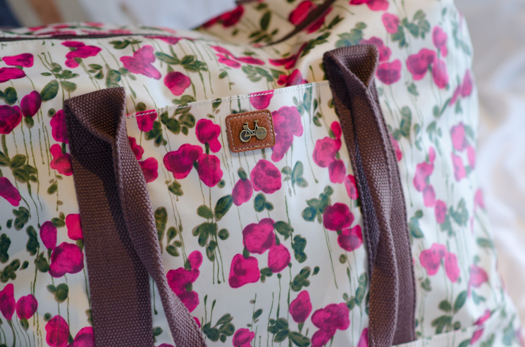 nica floral tote Outfits, Sightseeing & More From London