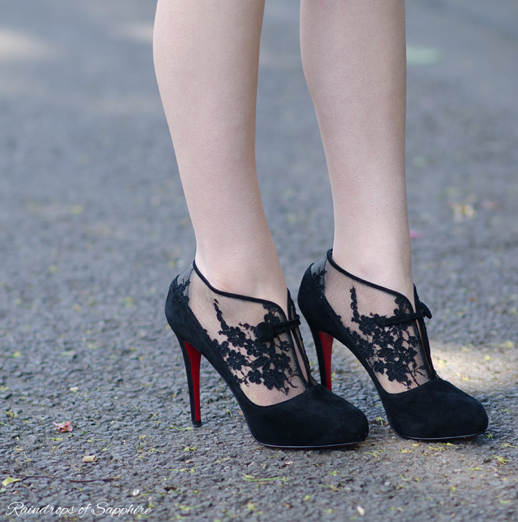 christian-louboutin-clic-clac-boots-suede-lace