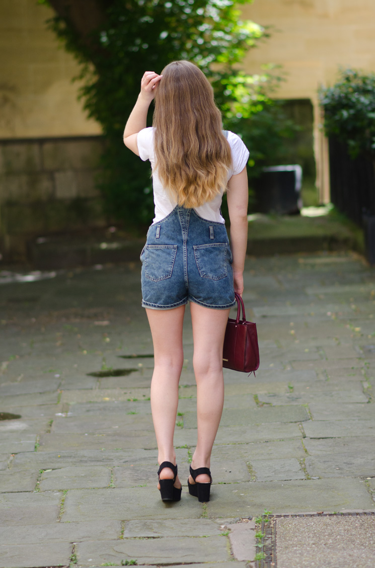 topshop-denim-dungarees-back-pockets-butt