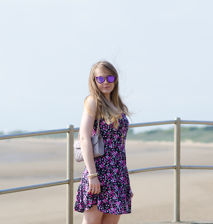 windy-day-beach-fashion-blogger-floral-dress