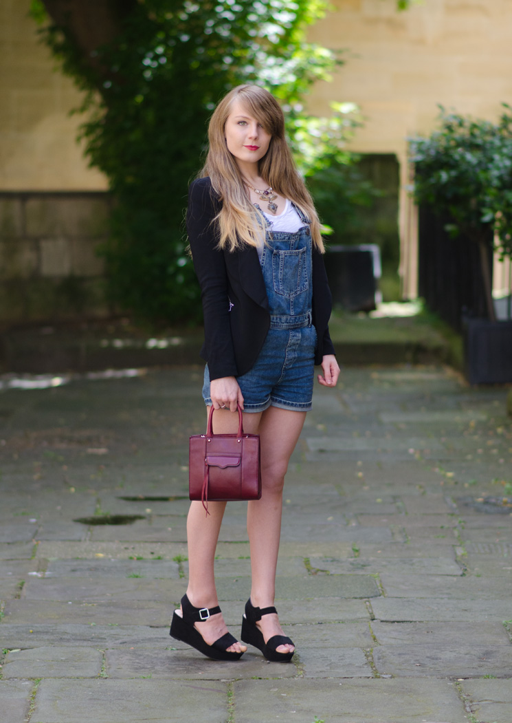 zara-black-blazer-over-denim-overalls