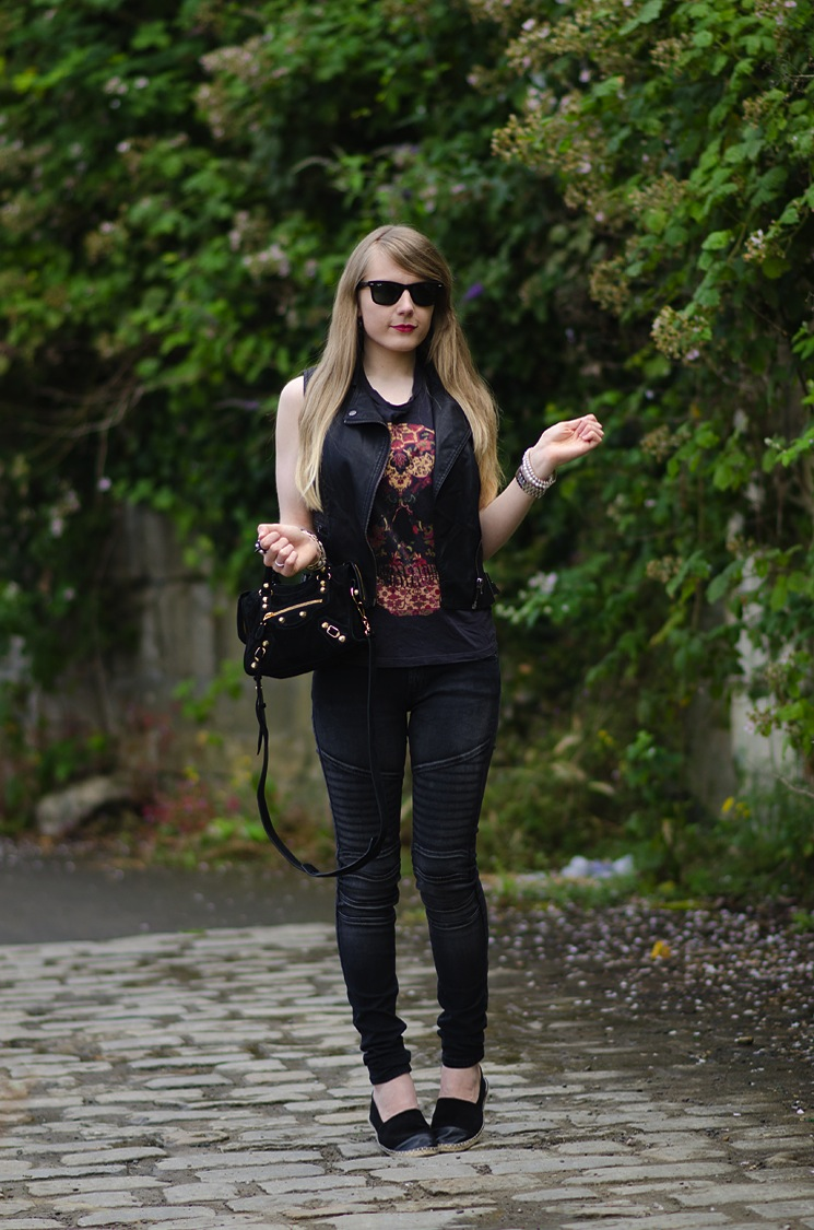 lorna-burford-raindrops-of-sapphire-black-outfit