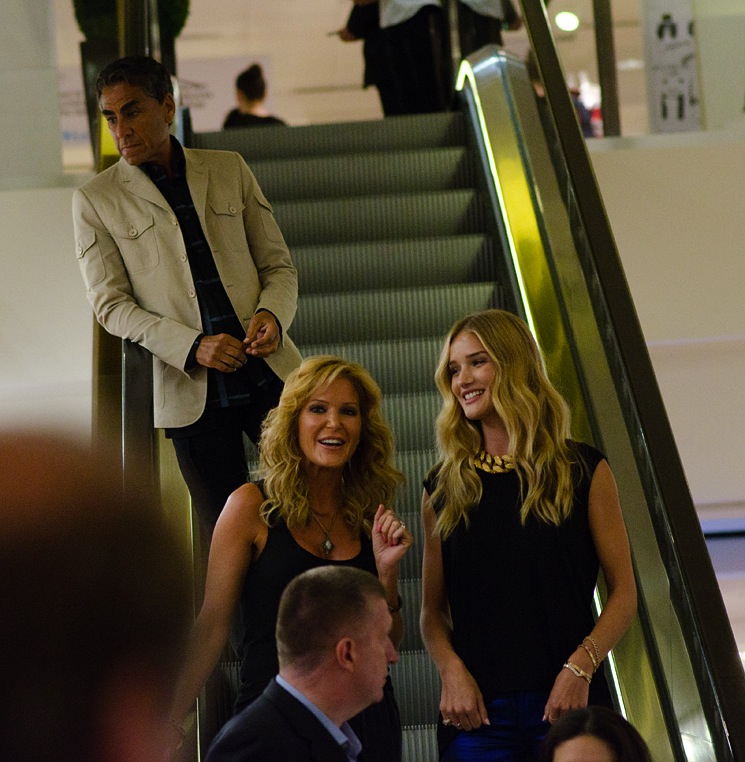 paige-adams-geller-with-rosie-huntington-whiteley-3