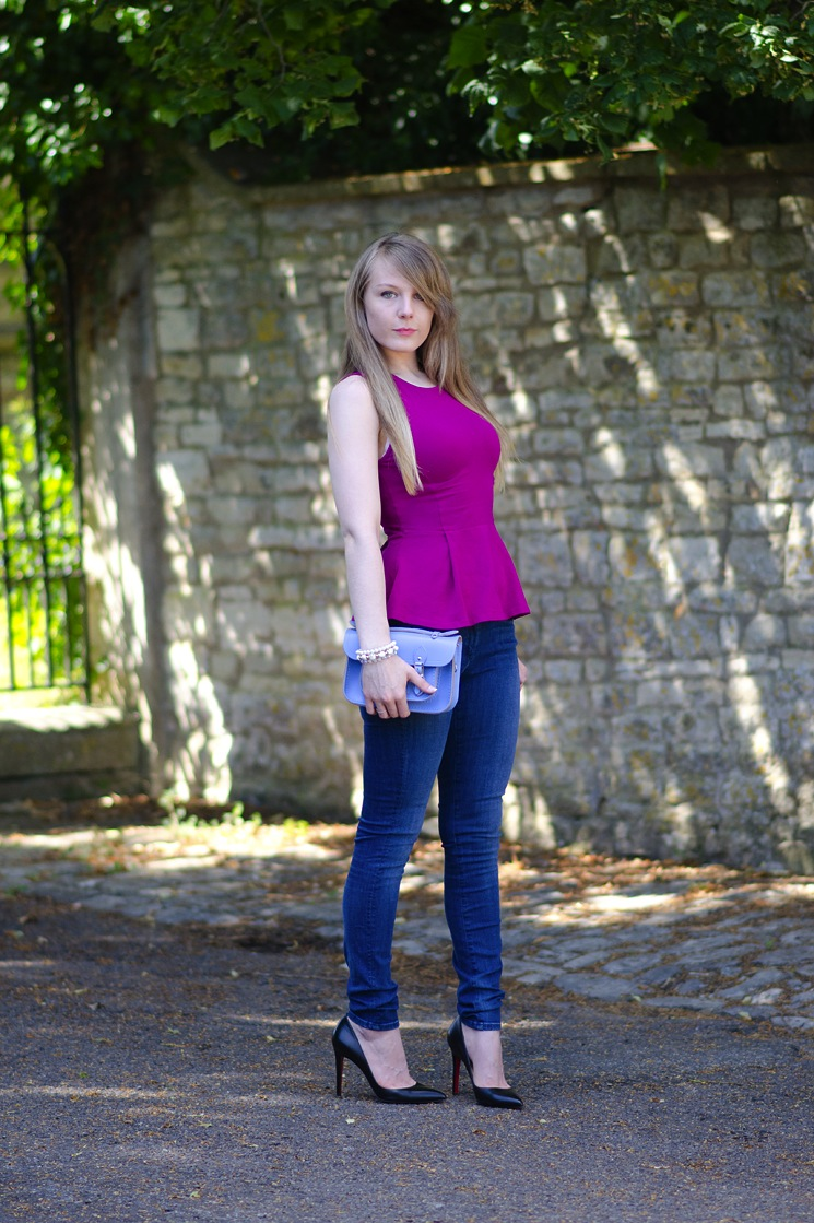 uk fashion blogger tight jeans Magenta Purple With Bellflower Blue