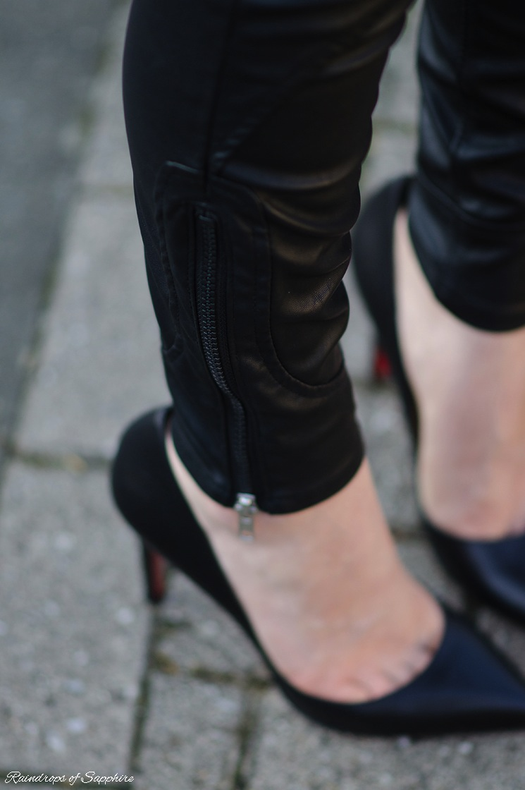 blank-nyc-moto-jeans-details