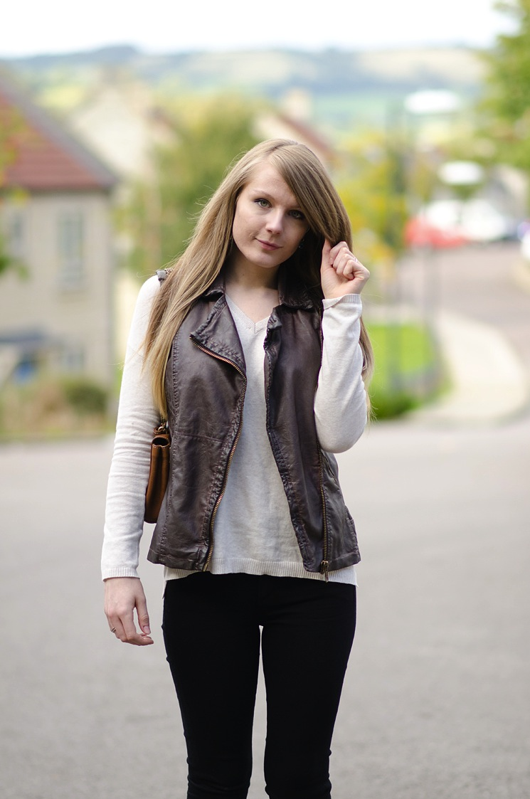 river island brown leather jacket waistcoat blogger outfit It Feels Like Autumn Is Near