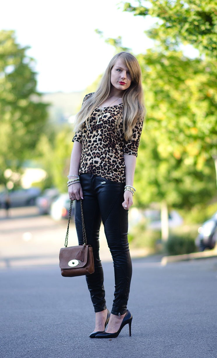 uk-fashion-blogger-leopard-top-black-leather-jeans-pants