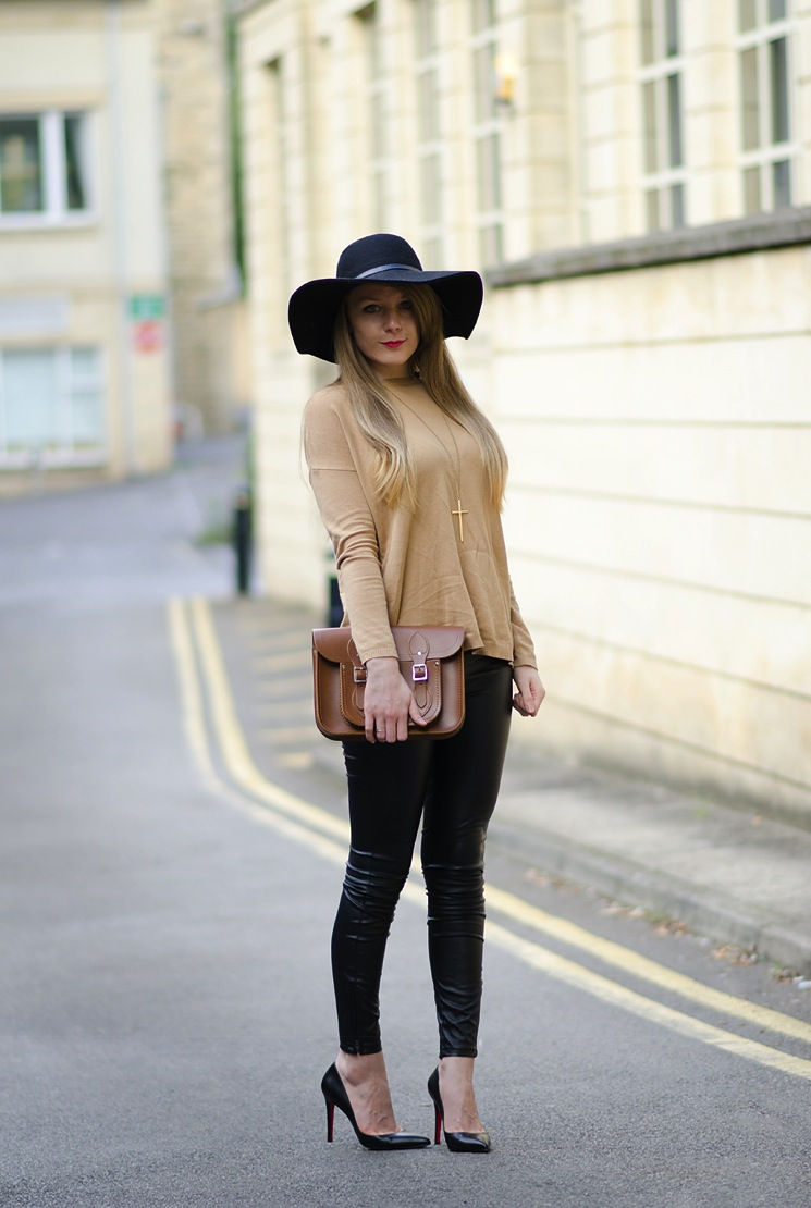 floppy-hat-brown-jumper-leather-leggings
