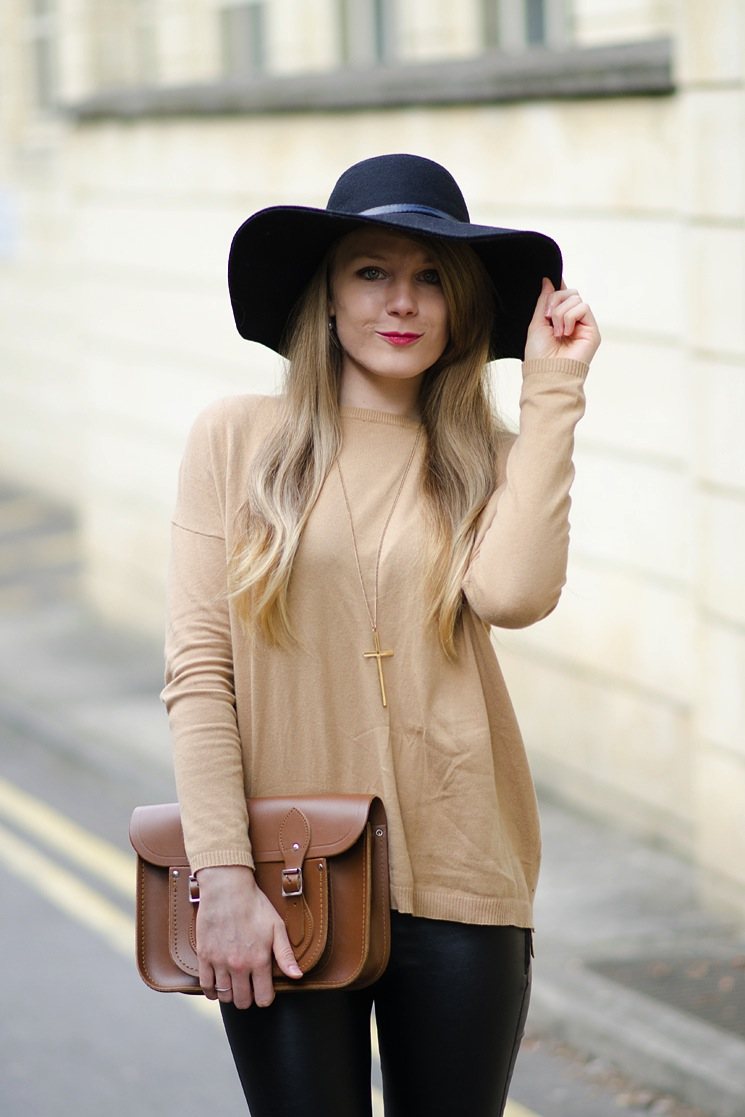 zara-brown-jumper-outfit