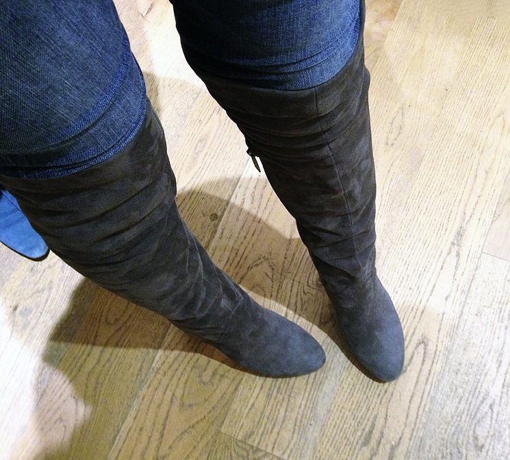 duoboottribe-duo-boots-event-bloggers-bath-dita-grey-boots