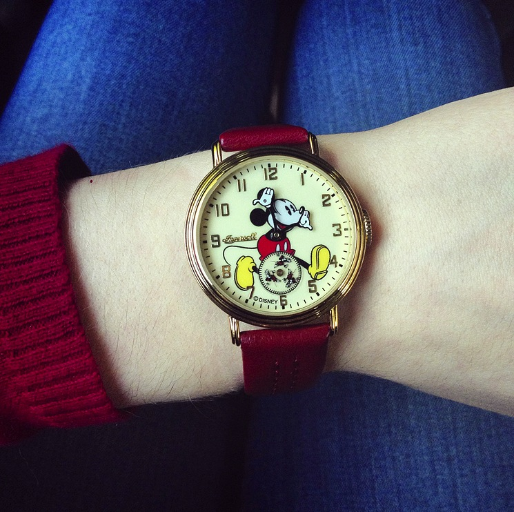 instagram-mickey-mouse-watch