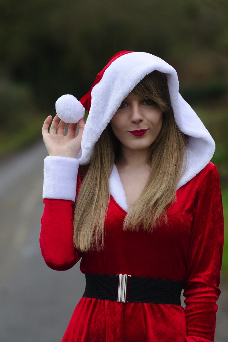love-honey-santa-outfit-sexy