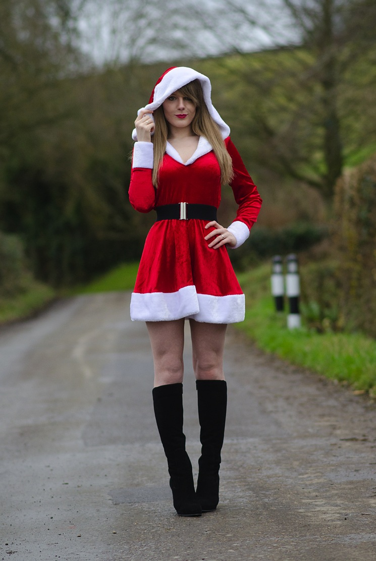mrs-santa-sexy-outfit-lorna-burford