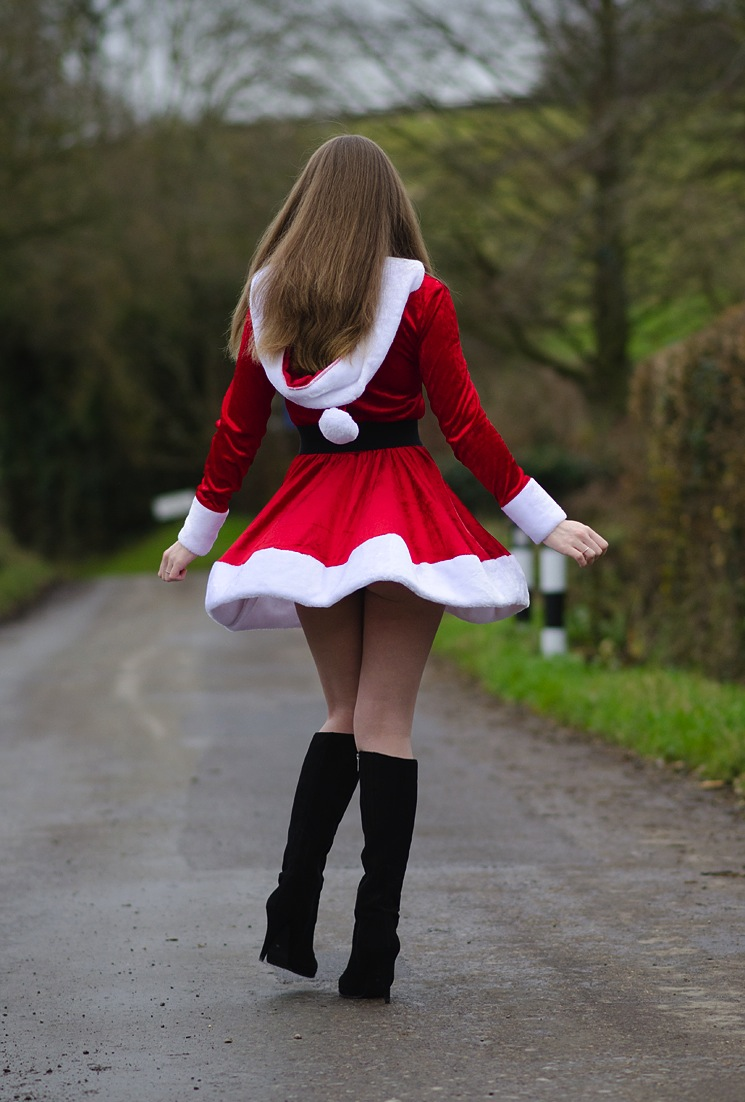 sexy-mrs-santa-costume-ass-butt – raindrops of sapphire