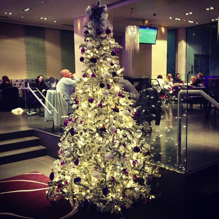 the-cumberland-hotel-christmas-tree