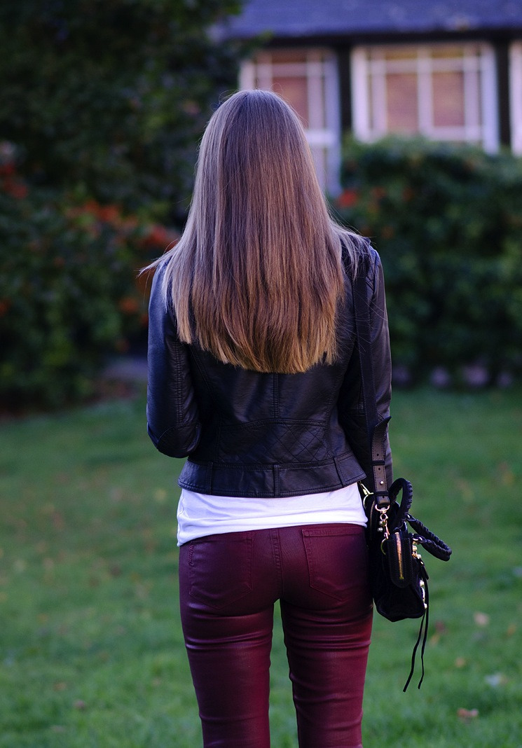 blonde-long-hair-blogger-butt-jeans – raindrops of sapphire