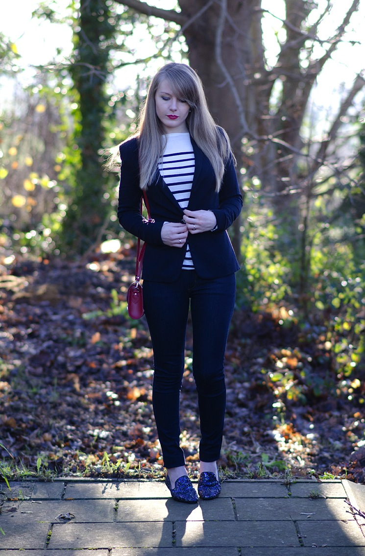 nautical-sailor-outfit-navy-jeans-jacket