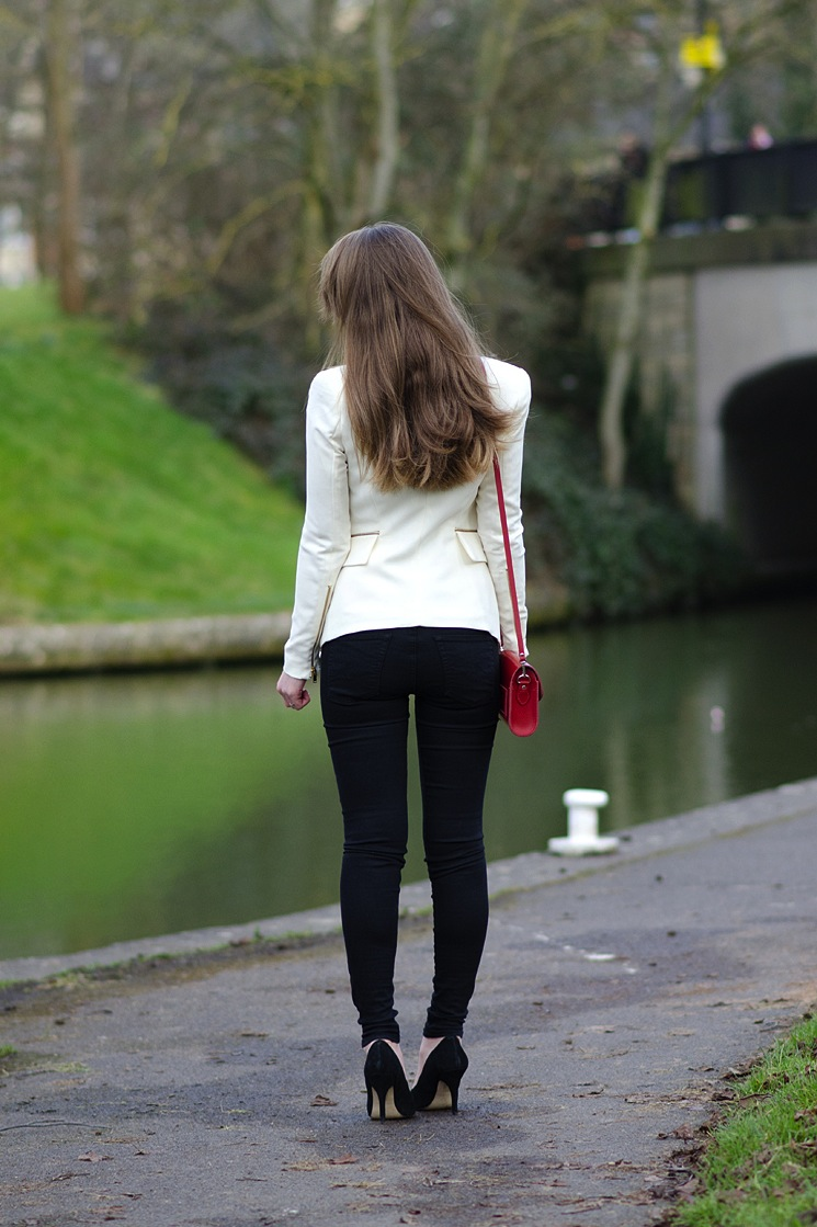 tight-skinny-jeans-ass-butt-girl