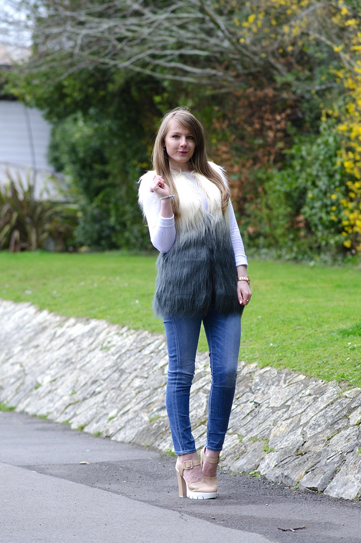 70s-faux-fur-platforms-outfit