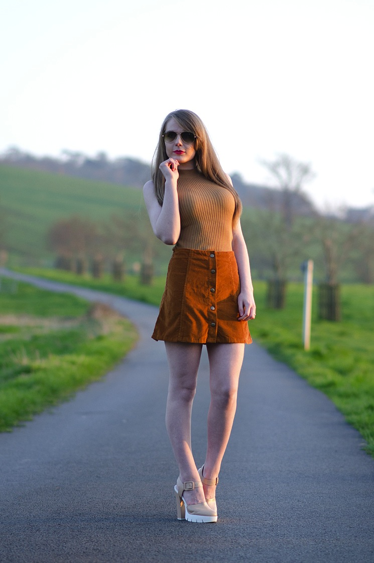 70s-skirt-outfit