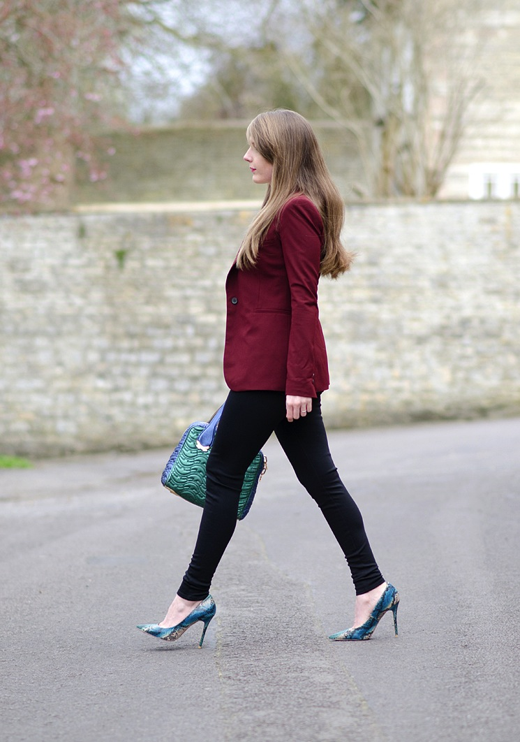 lorna-burford-blogger-fashion-walking