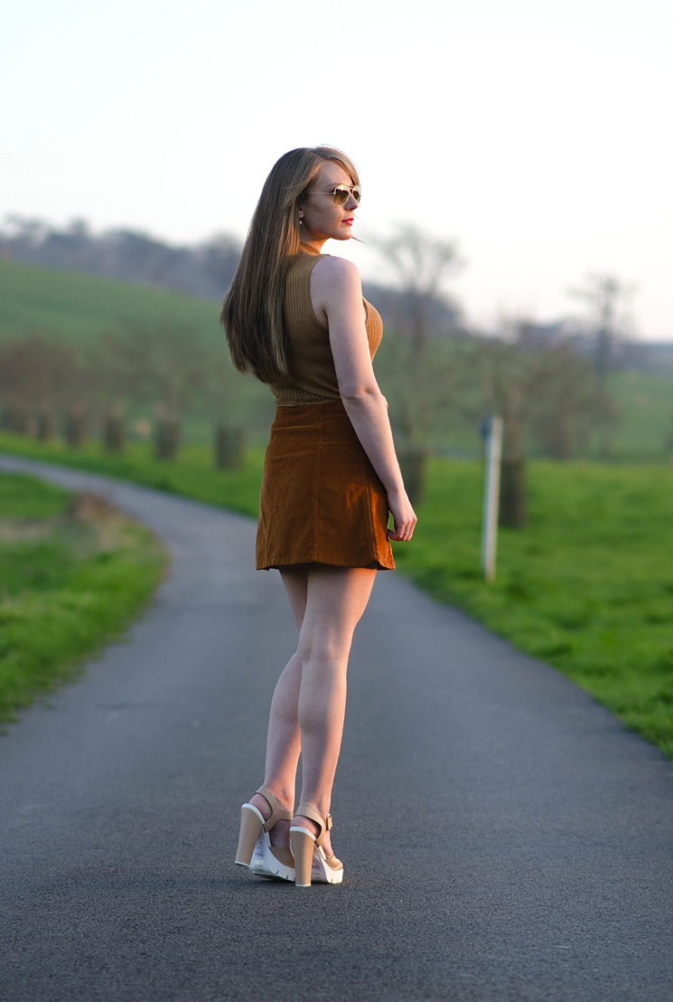lorna-raindrops-blogger-70s-outfit