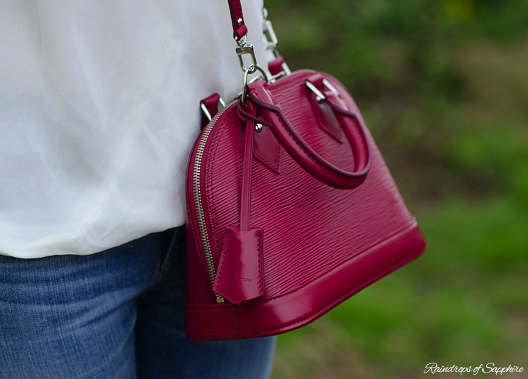 louis-vuitton-alma-bb-epi-leather-fuchsia-bag-review-11