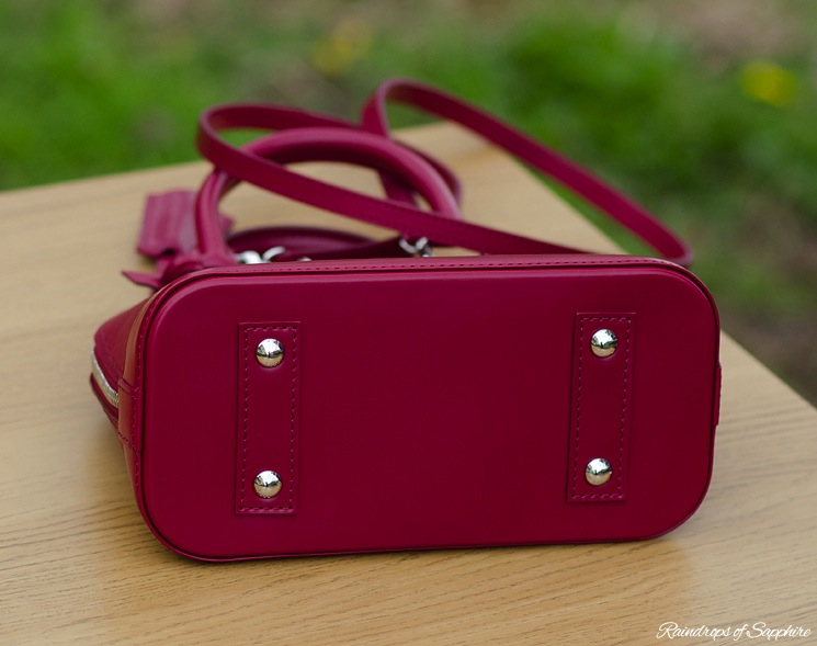 louis-vuitton-alma-bb-epi-leather-fuchsia-bag-review-14