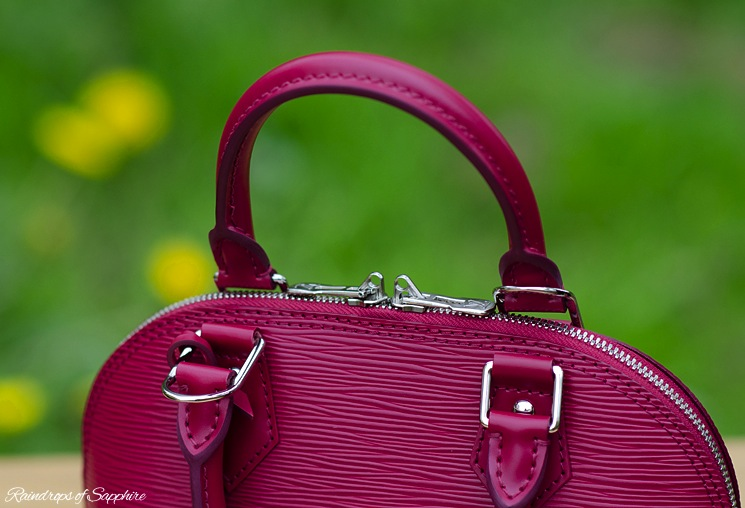louis-vuitton-alma-bb-epi-leather-fuchsia-bag-review-2