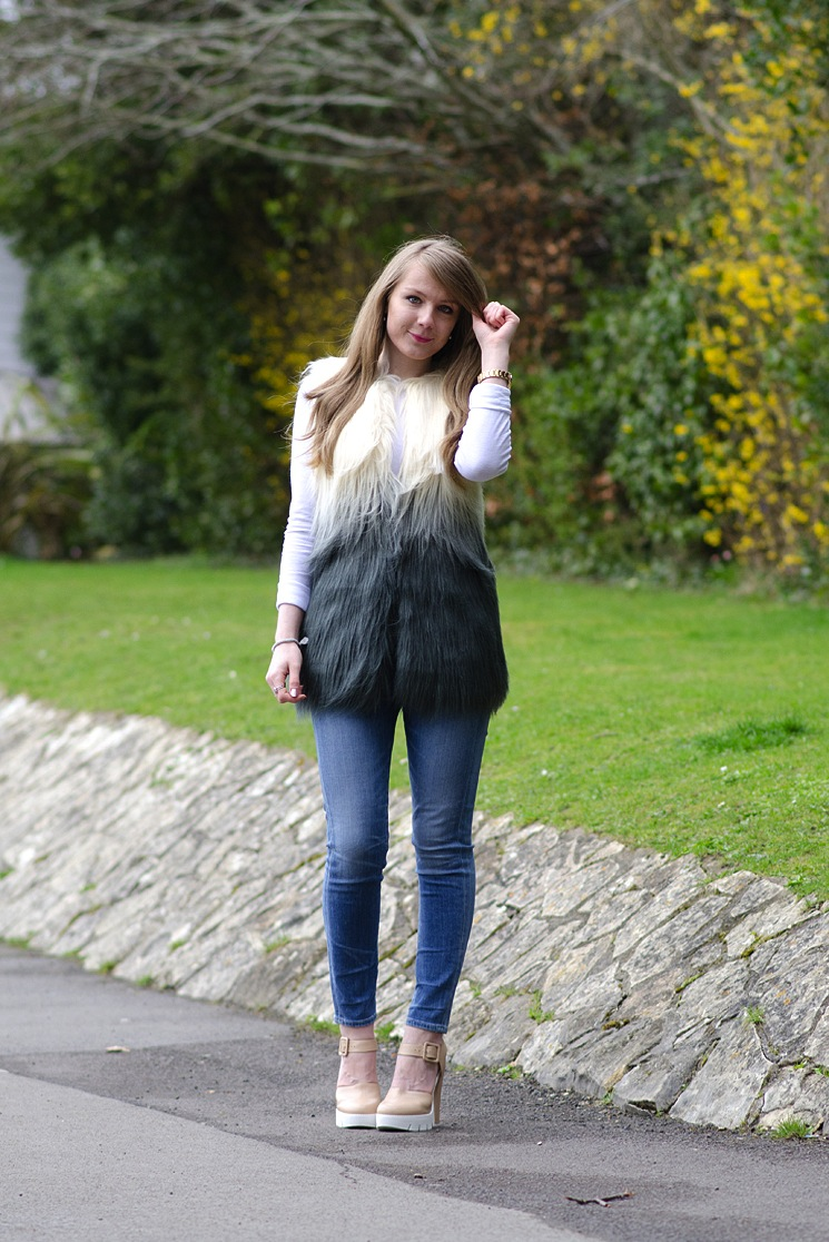 topshop-faux-fur-jacket-citizens-of-humanity-rocket-crop-jeans