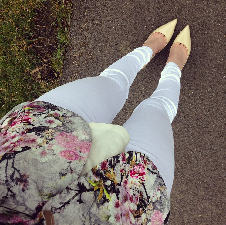 white-flowers-outfit-preview