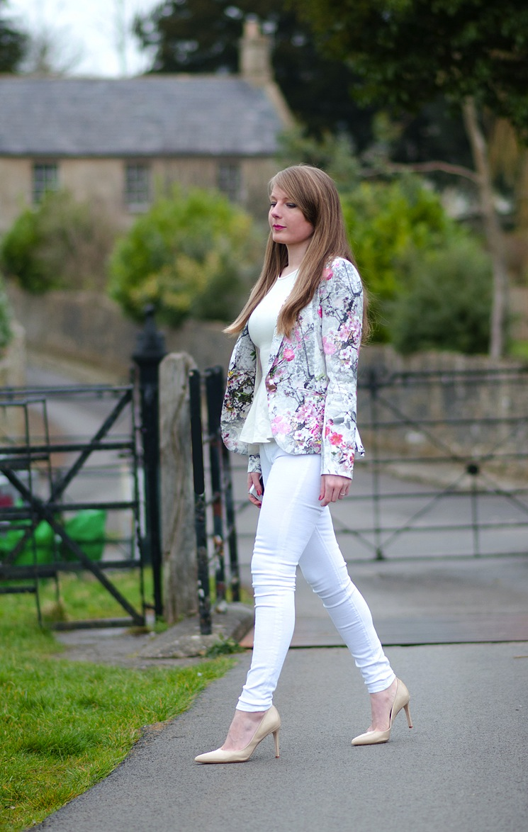 white-skinny-jeans-all-white-outfit